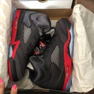 Shoes - Jordan 5 retro